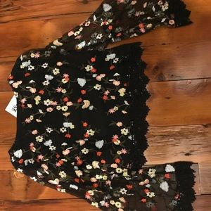 Long sleeve flowered embroidered top